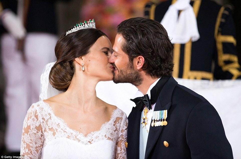 bacio Principe Carl Philip e Sofia